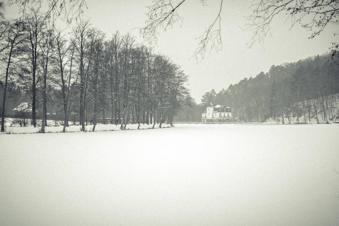 Le lac de Warfaaz by eVolutionZ
