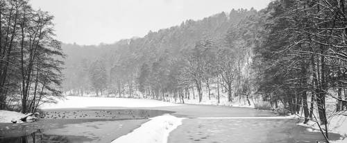 Frozen lake - Le lac de Warfaaz (Panorama) by eVolutionZ
