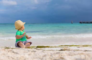 Daniel at Cancun Beach by directql
