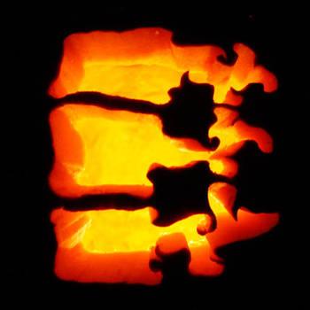 vertebrae pumpkin by truncheonm