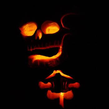 Skeleton Pumpkin by truncheonm
