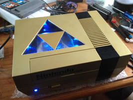 Gold Zelda NES with Triforce window and LED's by Hananas-nl
