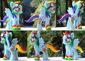 Vibrant Rainbow Dash by YFish