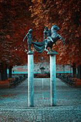 Statues by Csipesz