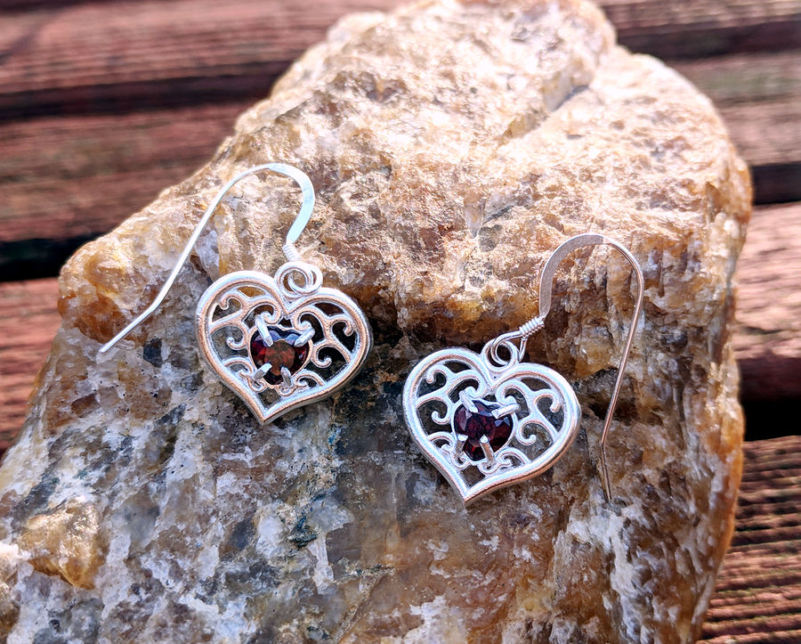 Heart Container Earrings by Serrawolfe
