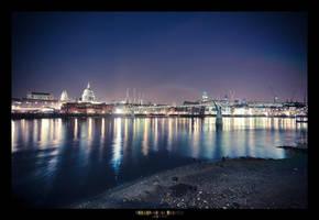 Millennium Bridge - by geckokid