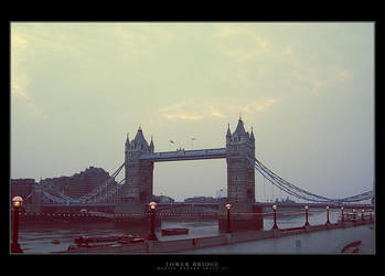 Tower Bridge by Werrny