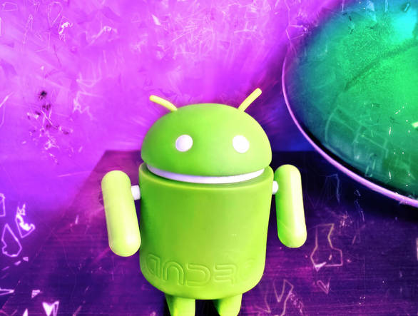 Android's Life :) by idlebg