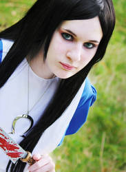 Alice by cupcakez0mbie
