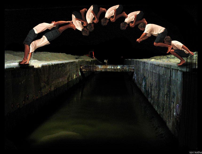 Human Bridge by iurikothe