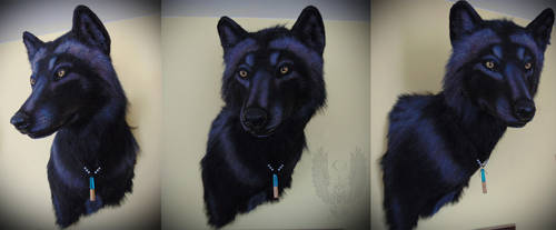 Faux wolf head by SnowVolkolak