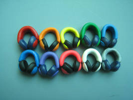 Headphone Rainbow by skookyspry