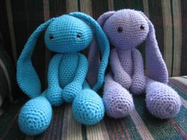 Bunny Love by skookyspry