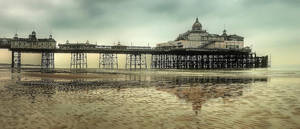 Reflecting your Piers by wreck-photography