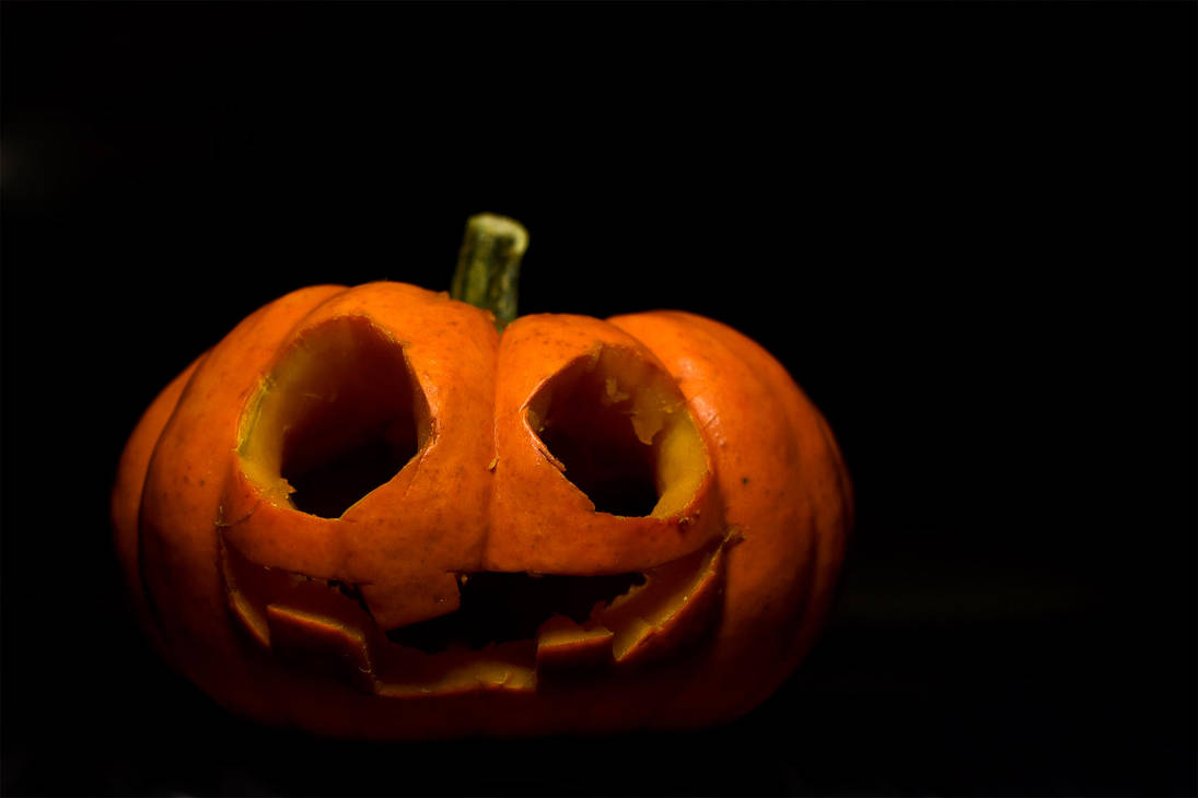 My first halloween pumpkin 2 by Parazelsus