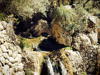 Tiny waterfall by Voltaire666