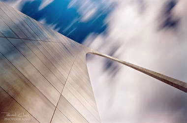 .:Majestic St Louis Arch:. by RHCheng