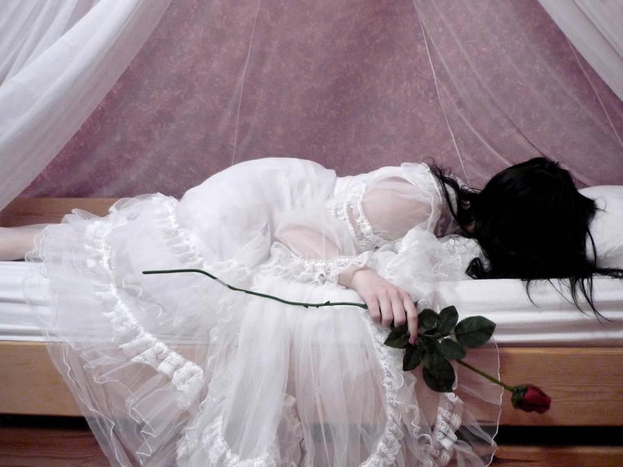 Sleeping Beauty's Nightmares by DanieOpheliac