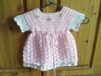Childs dress crochet by UisceChroi
