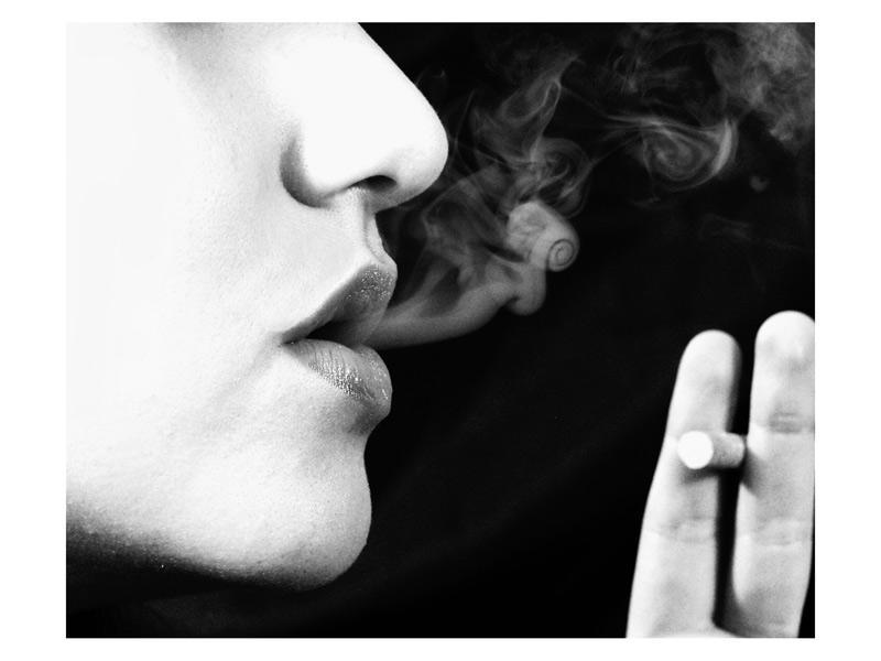 Cigarrillo Cliche by manodemaniqui