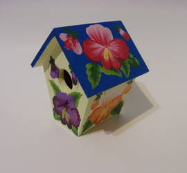 Pansy birdhouse by sweetpie2