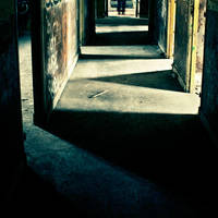les portes manquantes by gwichin