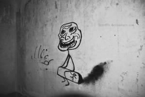 Troll - Street art by lyyy971