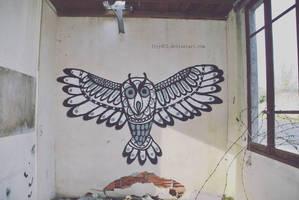 Owl - Street art by lyyy971