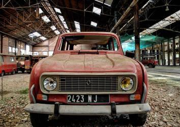 Red car by lyyy971