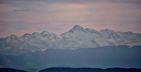 Snowy mountains II by lyyy971