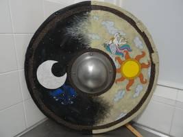 round viking shield: with Luna and Celestia theme. by Gruntoks