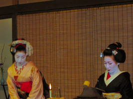 Geisha and Maiko assistant by KaleaArgent