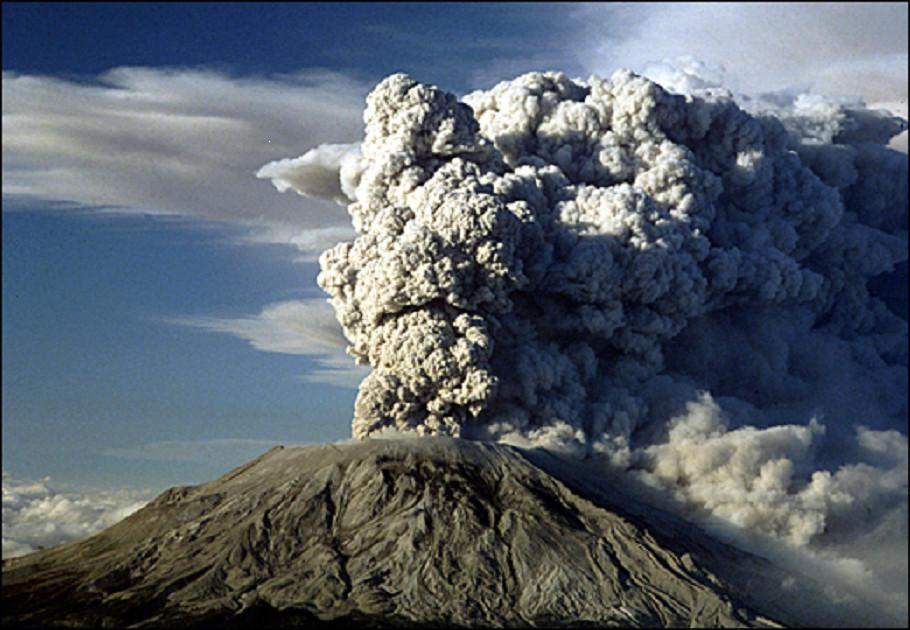 Volcano Eruption by Mytebemagick