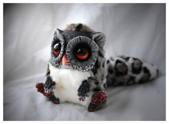Tiny Griffin Spotty by Santani