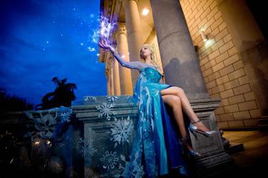 Queen Elsa - Frozen by UchihaSayaka