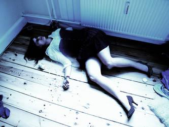 dead.... by ImSHOE