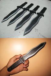 Throwing Daggers by Mist-gun-01