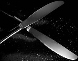 Crossed knives by Moonbeam13