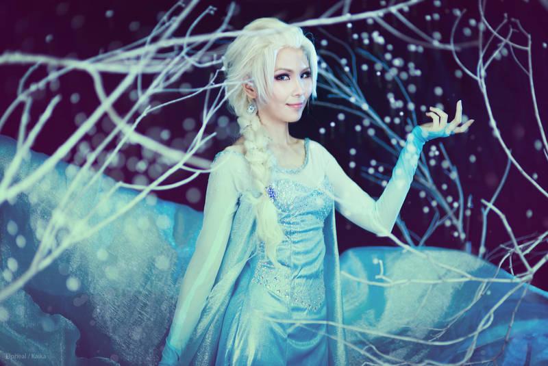 Elsa the Snow Queen by elpheal