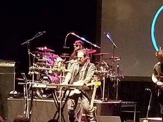 Neal Morse and Mike Portnoy zoom in shot by ATwistintheMyth