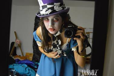 Mad Hatter Girl by Puppy-DollsDead