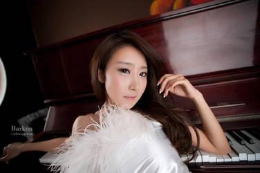 Piano Player by ParkLeggyKorean