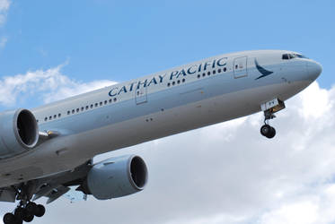 Cathay (B-KPV) Landing by IFlySNA94