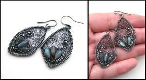 labradorite earrings by annie-jewelry