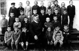 Historic school picture by UdoChristmann
