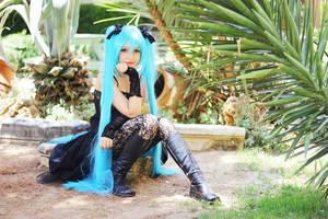 Random Gothic Hatsune Miku Cosplay by DEATHNOTE---L