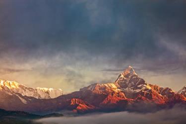 Sunrise on Anapurna by Stilfoto