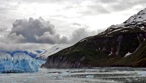 An Alaskan Glacier by satsui