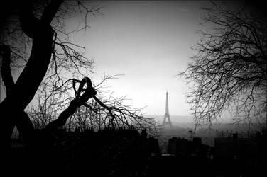 Paris de loin. by ValianeKaribou