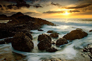 Giants Causeway at sunset by Jonnywise